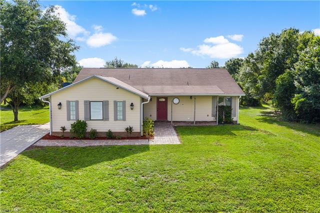 6136 Higgins Ave, Fort Myers, FL 33905