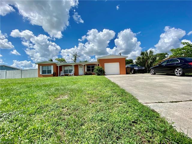 905 Leeland Heights Blvd E, Lehigh Acres, FL 33936