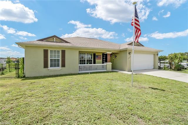 1422 Nw 1st St, Cape Coral, FL 33993