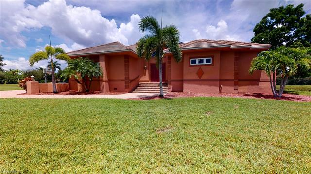 8870 King Lear Ct, Fort Myers, FL 33908
