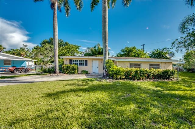 14968 Richard Ct, North Fort Myers, FL 33903