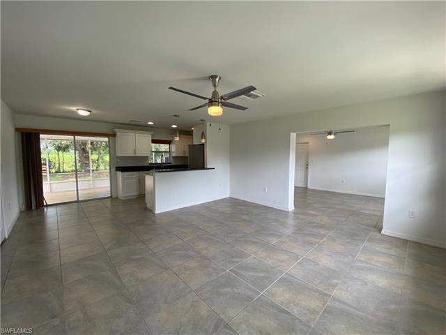 2325 Barcelona Ave, Fort Myers, FL 33905