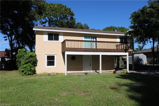 8181 Albatross Rd, Fort Myers, FL 33967