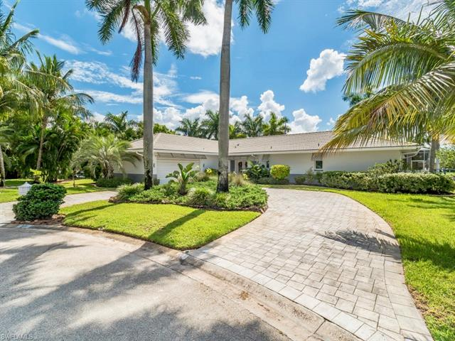 906 Jennifer Ln, Fort Myers, FL 33919