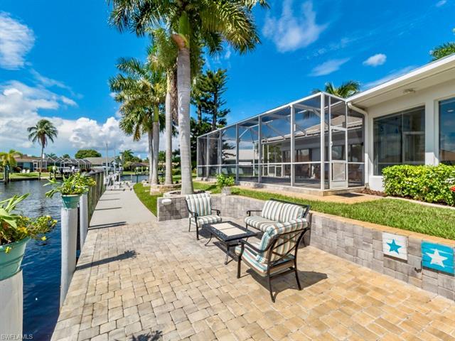 906 Jennifer Ln, Fort Myers, FL 33919