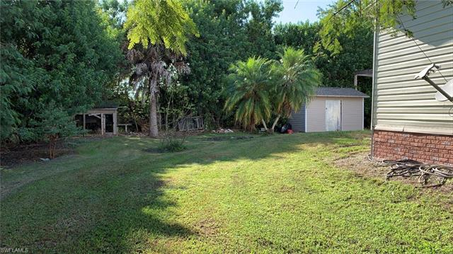 1159 Pine Ave, Moore Haven, FL 33471