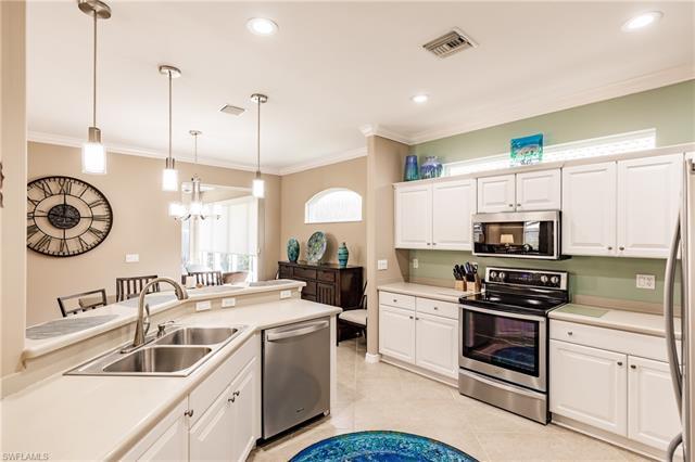 8259 Woodridge Pointe Dr, Fort Myers, FL 33912