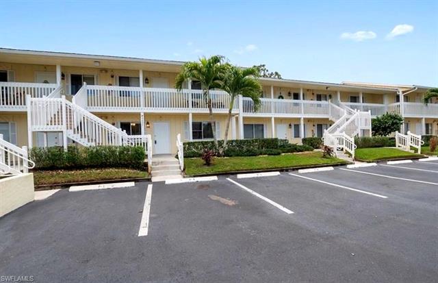 4635 Bayshore Dr P8, Naples, FL 34112