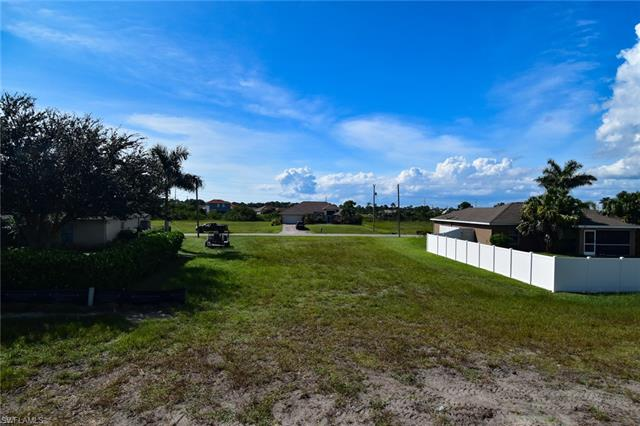 4129 Ne 9th Pl, Cape Coral, FL 33909