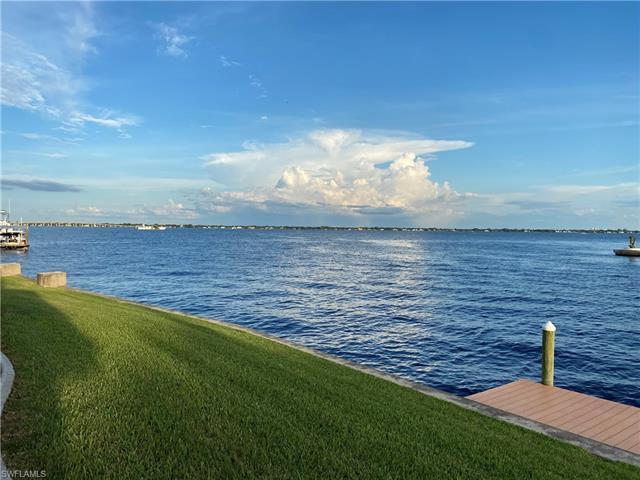 2220 Se 28th St, Cape Coral, FL 33904