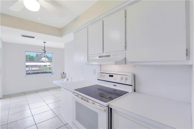 825 Lucerne Pky, Cape Coral, FL 33904