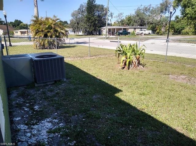 1355 Floral Dr, Fort Myers, FL 33916