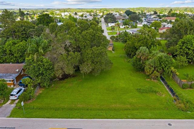 13318 5th St, Fort Myers, FL 33905