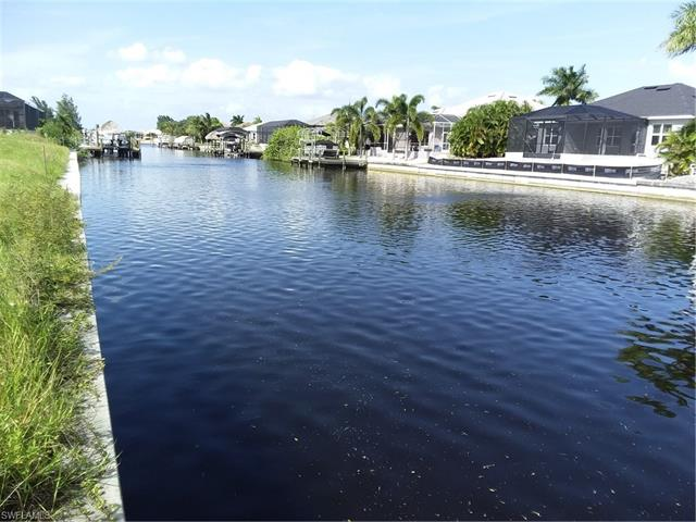 807 Nw 39th Ave, Cape Coral, FL 33993