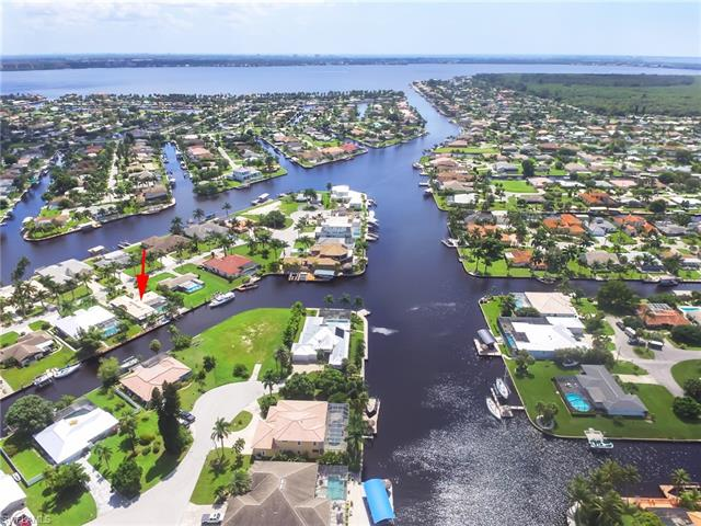 5062 Sorrento Ct, Cape Coral, FL 33904