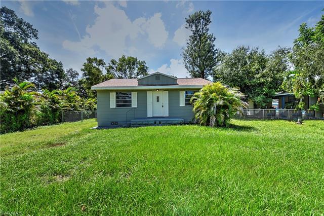 2038 Earl Rd, Fort Myers, FL 33901