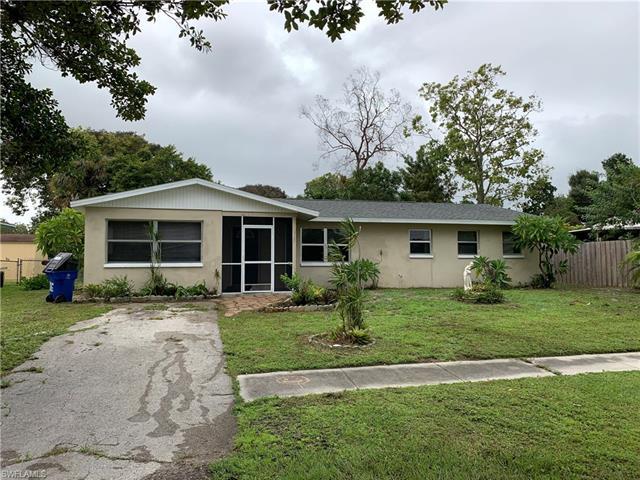 978 Jasmine St, North Fort Myers, FL 33903