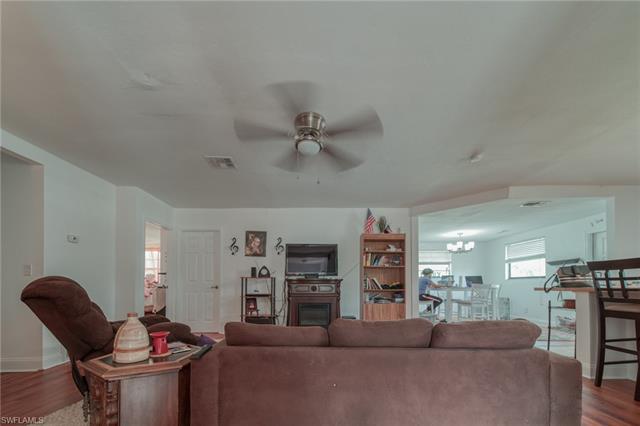 19800 Skipper Rd, North Fort Myers, FL 33917