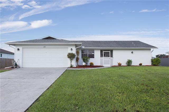 2211 Ne 17th Ave, Cape Coral, FL 33909