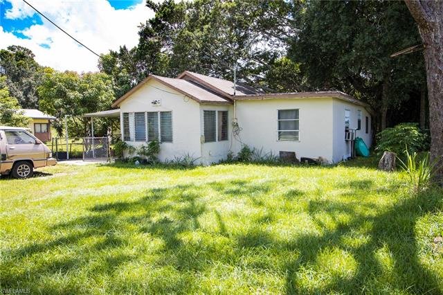 206 Maria St, Fort Myers, FL 33916