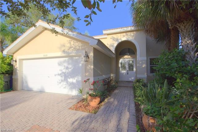 9339 Golden Rain Ln, Fort Myers, FL 33967