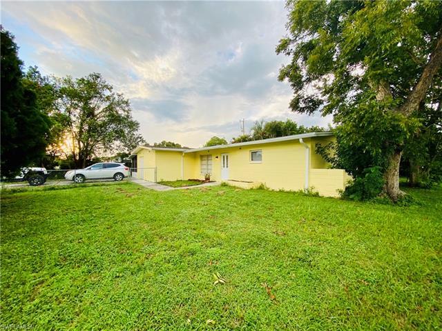 203 W Jersey Rd, Lehigh Acres, FL 33936