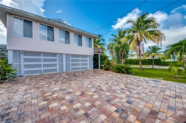 280 Ostego Dr, Fort Myers Beach, FL 33931