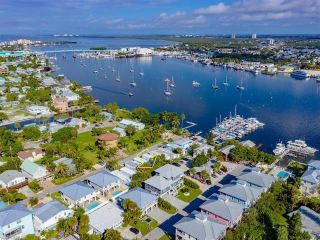 275 Delmar Ave, Fort Myers Beach, FL 33931