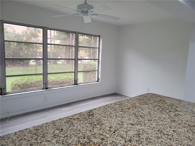 6894 Sandtrap Dr 2, Fort Myers, FL 33919