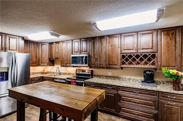 8041 S Woods Cir 4, Fort Myers, FL 33919