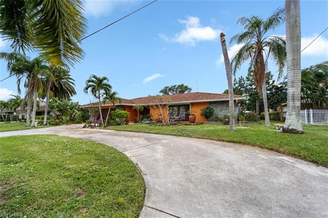 1000 N Town And River Dr, Fort Myers, FL 33919