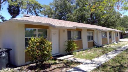 2271 Jeffcott St, Fort Myers, FL 33901