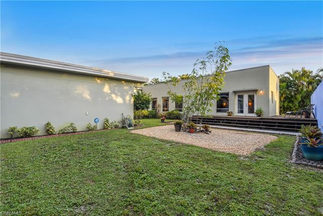 7432 Willems Dr, Fort Myers, FL 33908