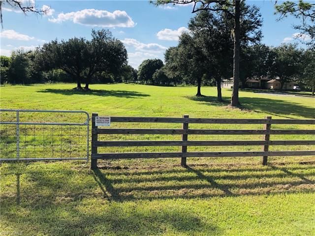 18433 N River Estates Ln, Alva, FL 33920