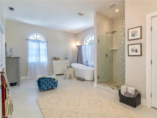 1320 Alcazar Ave, Fort Myers, FL 33901