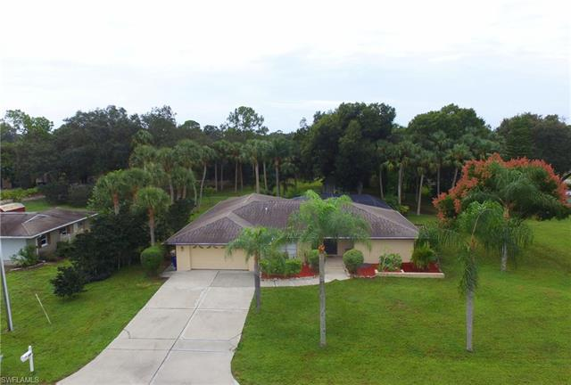 431 Hamlin Ln, North Fort Myers, FL 33903