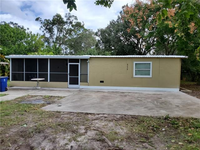 8239 Suncoast Dr, North Fort Myers, FL 33917