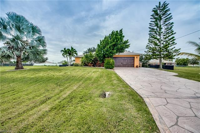 330 Ne 15th St, Cape Coral, FL 33909