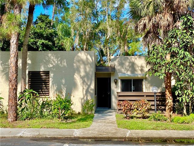 122 Pinebrook Dr, Fort Myers, FL 33907