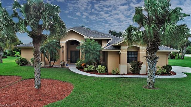 806 Thompson Ave, Lehigh Acres, FL 33972