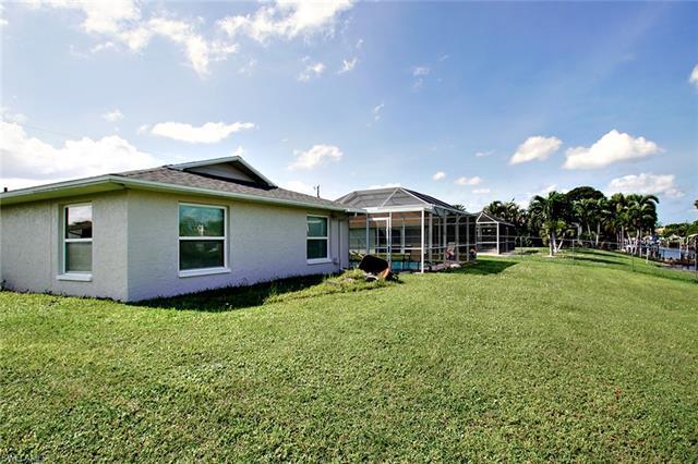 215 Se 31st St, Cape Coral, FL 33904