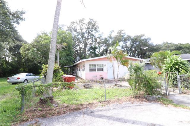 2640 Saint Charles St, Fort Myers, FL 33916