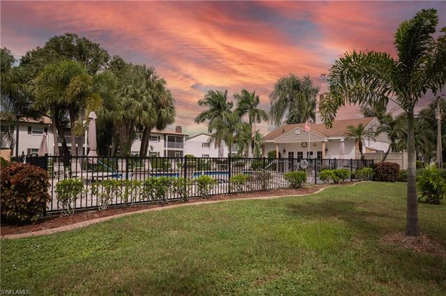 7025 New Post Dr 5, North Fort Myers, FL 33917