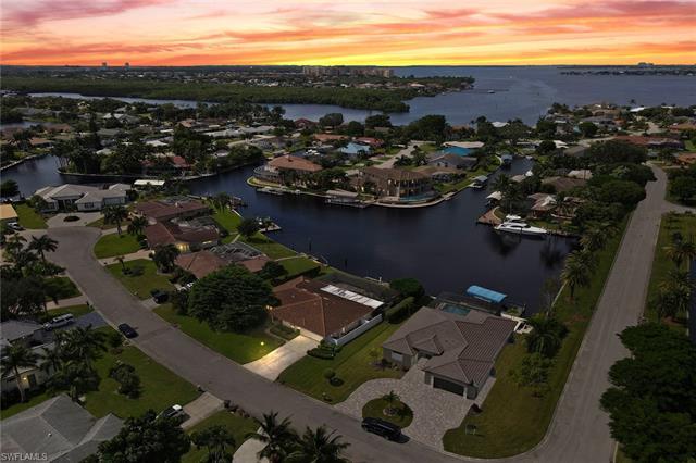 6610 Joanna Cir, Fort Myers, FL 33919