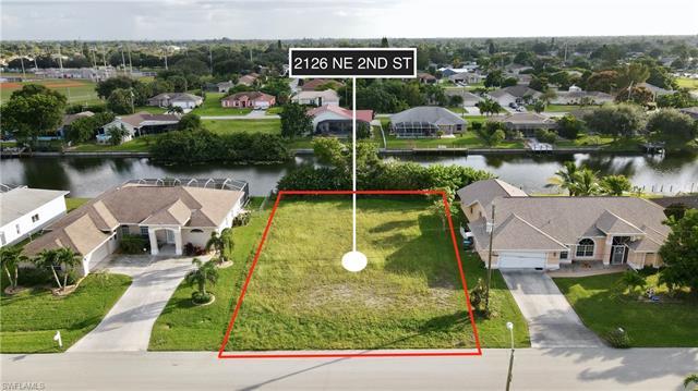 2126 Ne 2nd St, Cape Coral, FL 33909