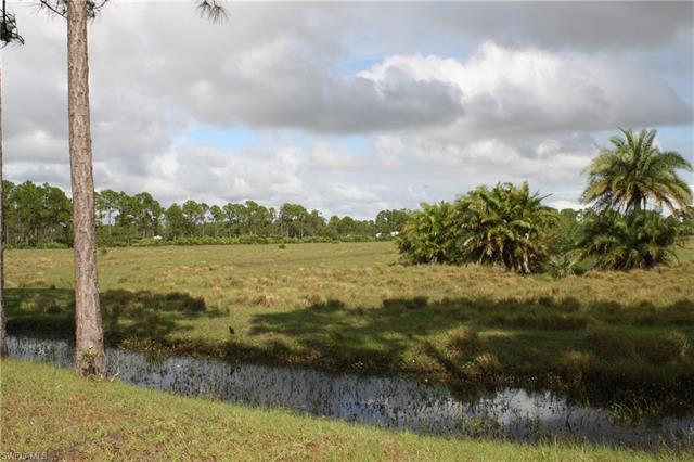 Christopher Ln, Clewiston, FL 33440