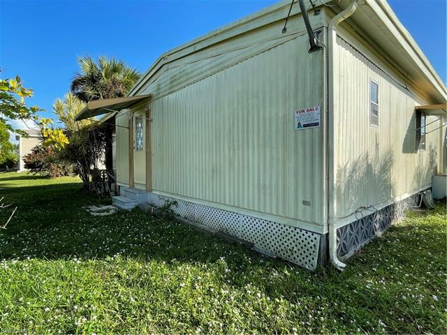 5667 Captain John Smith Loop 152, North Fort Myers, FL 33917