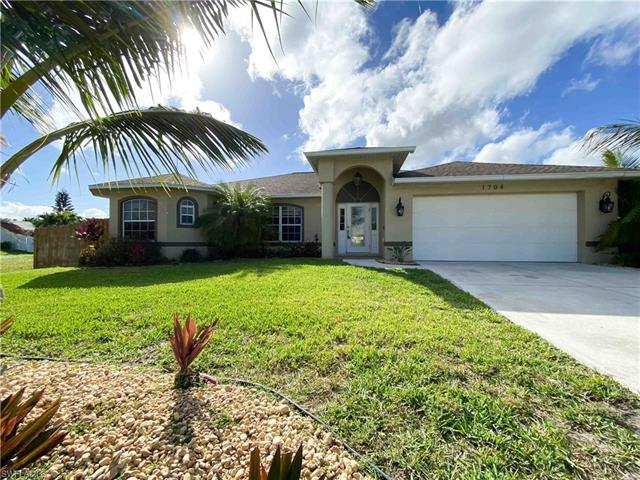 1704 Beach Pky W, Cape Coral, FL 33914