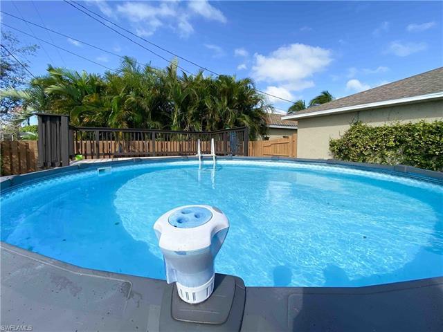 1704 Beach Pky W, Cape Coral, FL 33914