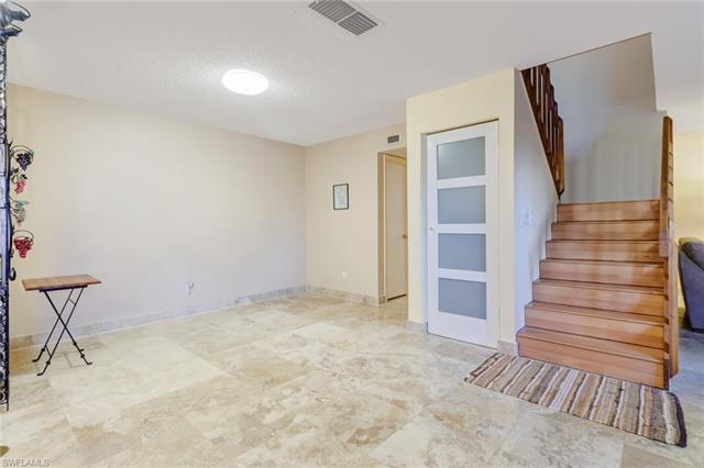 4033 Sandlewood Ln 3, Fort Myers, FL 33907
